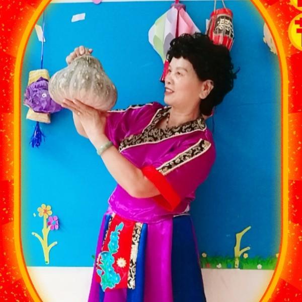 大化县爱舞蹈的黄大姐