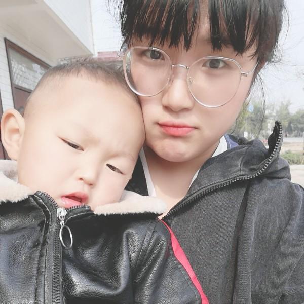 de小瑜亲妮可