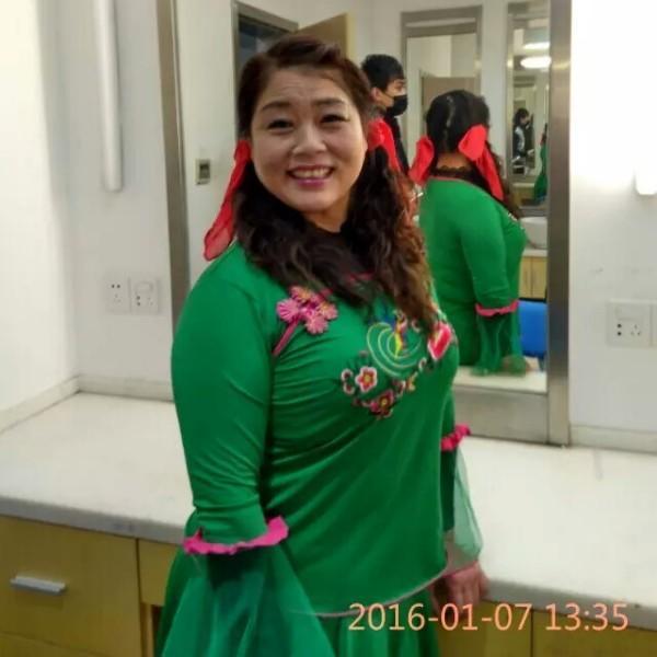 南京小拉霞姐艺术团团长