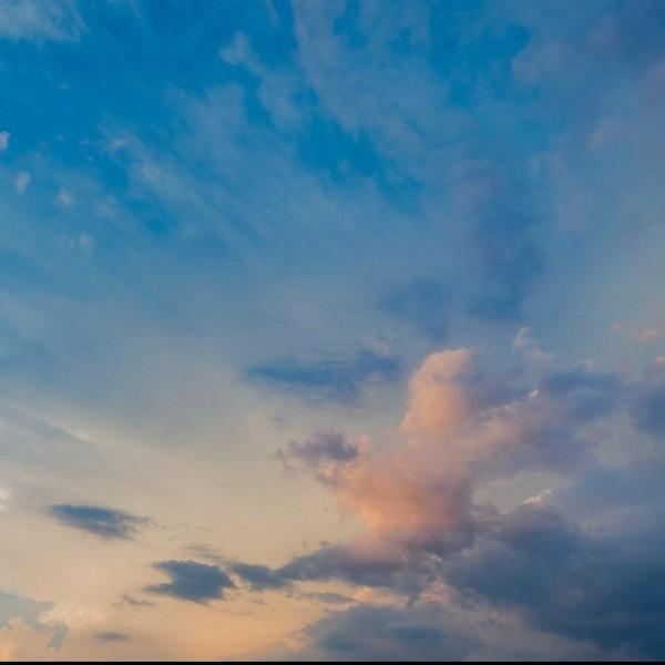 云朵爱你哟