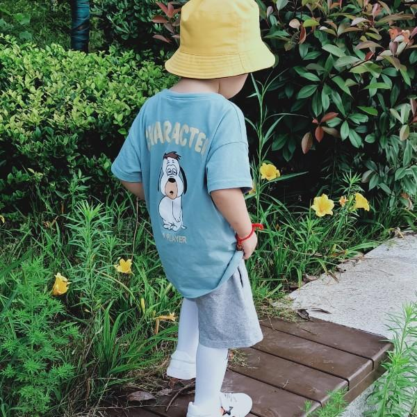 周周卖罩罩的小女孩