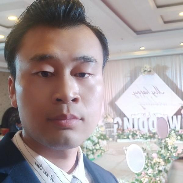 主持人博宇