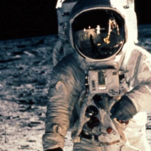 阿波罗11号厄