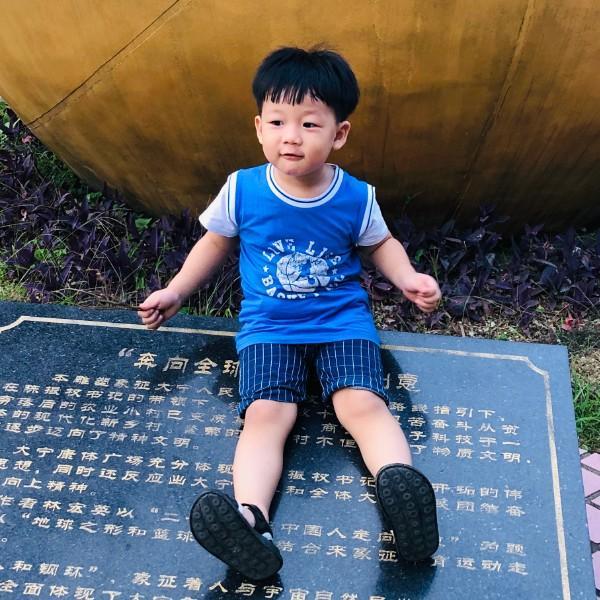HuangRon朱鸿博