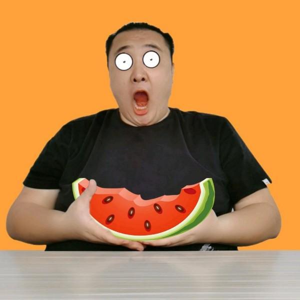 带你吃瓜v