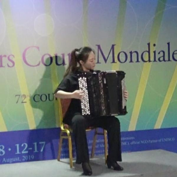 蔺敬涵accordion