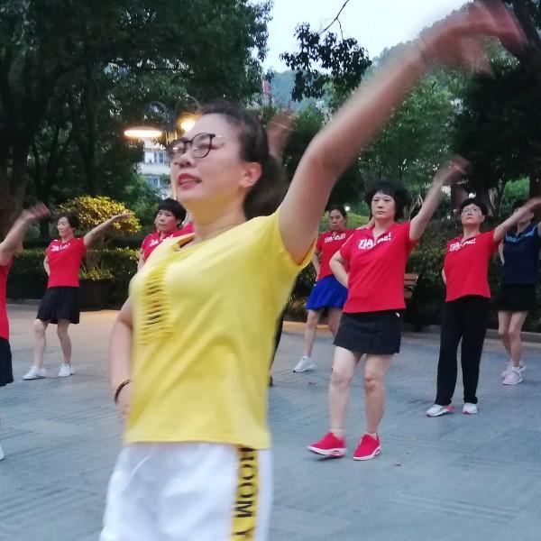浙江普陀飞之燕健身队