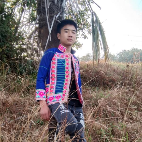 彝族青年ZCC