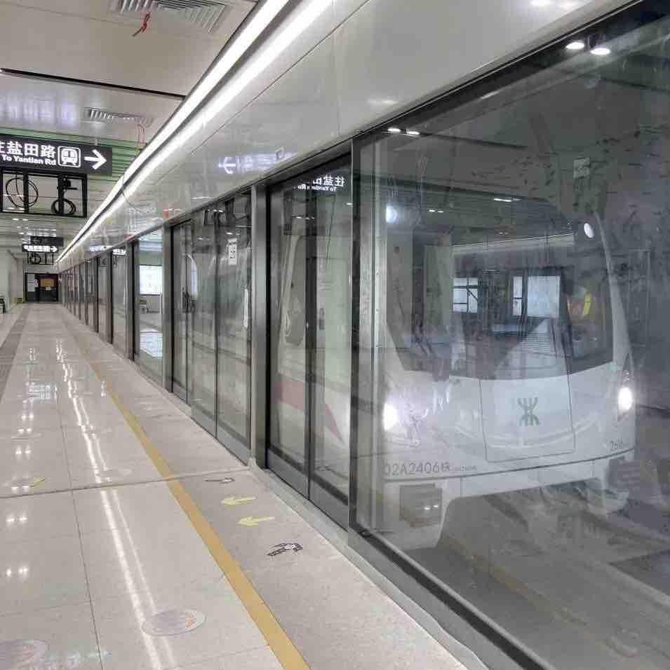 深圳地铁自拍视频