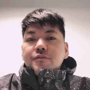 中国李宁设计师张旭东