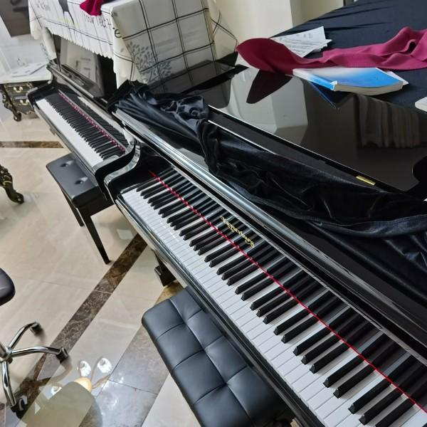 黄烈杭钢琴艺术工作室