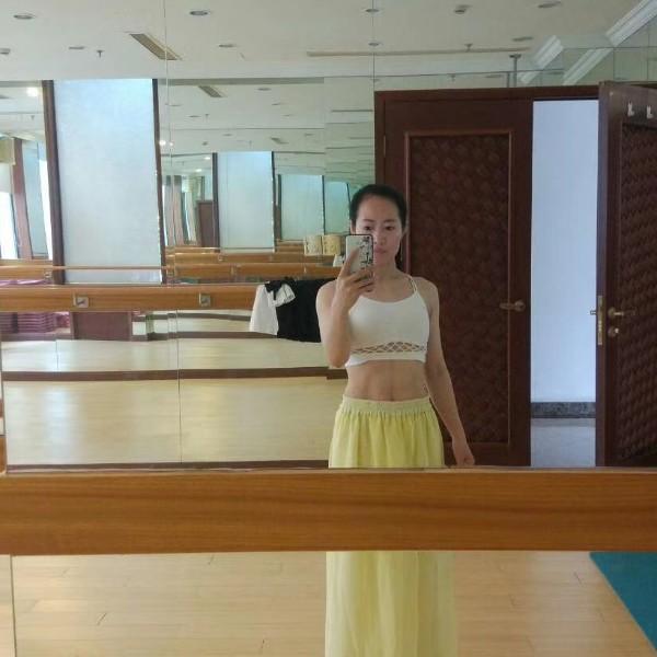 碗莲朱苑瑜瑜伽普拉提上海