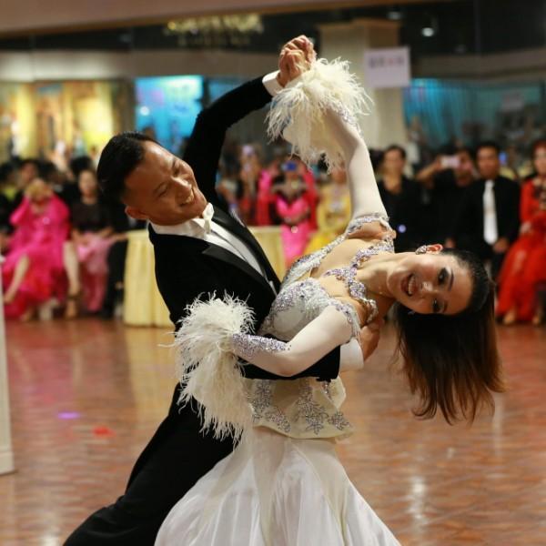 南宁市冠艺星体育舞蹈俱乐部