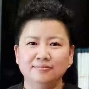 舒卿刘红云