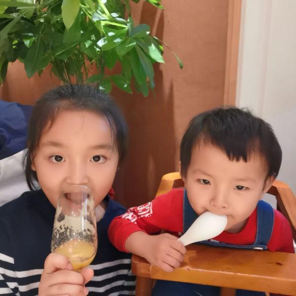 Ada姐姐和yuki妹妹